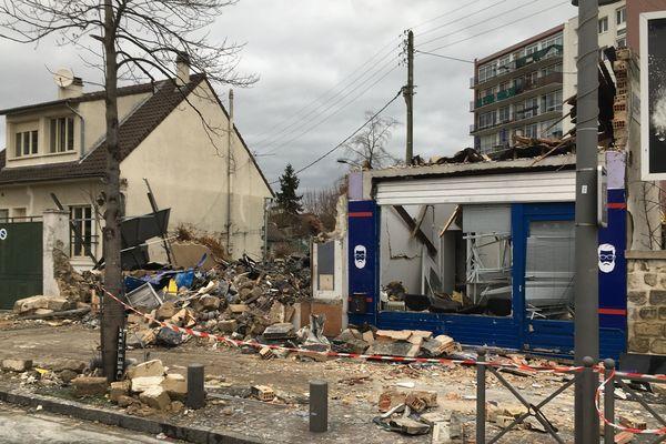 Une explosion a complètement ravagé un immeuble de Houilles dans les Yvelines.