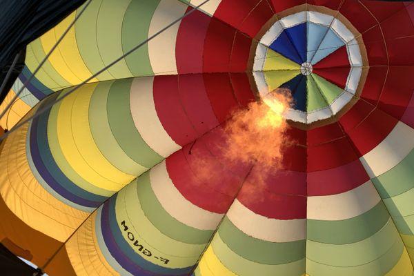 Le gaz propane permet en chauffant l'air au ballon de s'élever