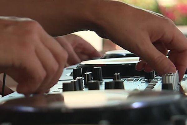 L'Electrobeach rassemble plus d'une centaine de DJs