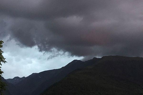 Les premiers flocons sont attendus samedi sur les Pyrénées.