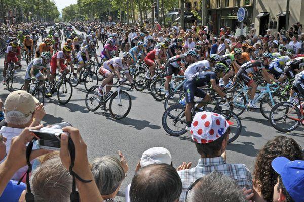 Le Tour de France sur le boulevard de la Croix Rousse à Lyon en 2011