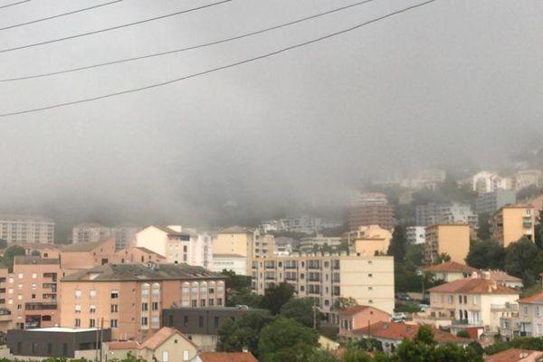La ville de Bastia sous la Brume.