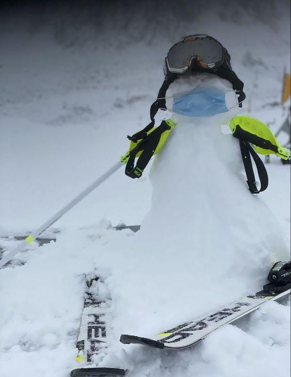 """""""Confinus"""", bonhomme de neige de Porté-Puymorens (66)"""