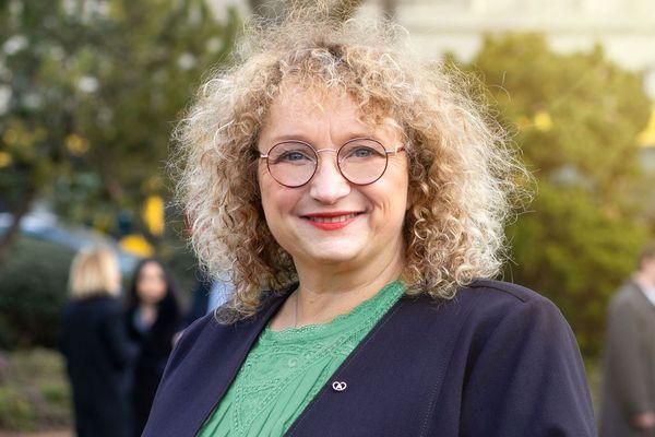 Ancienne adjointe de Jean Rottner, Lara Million est soutenue par le parti La République en marche (LREM).