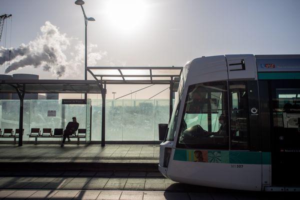 La SNCF recherche 140 conducteurs pour la future ligne du T4 entre Aulnay-sous-Bois à Bondy, dans la Seine-Saint-Denis.