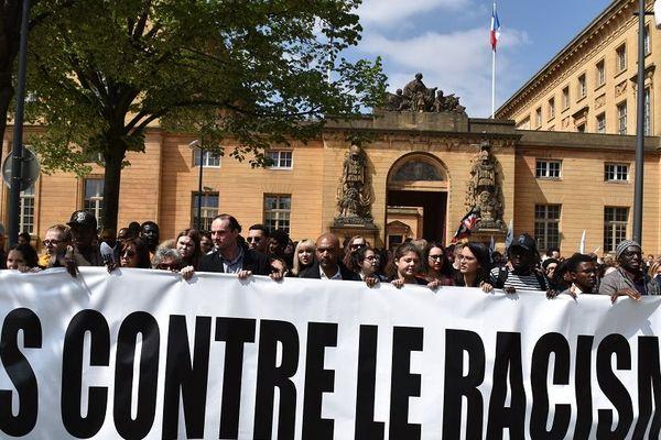 Après les actes racistes survenus vendredi dernier à l'Université de Lorraine, à Metz, une marche contre ce fléau s'est déroulée ce mardi 30 avril, dans les rues de la ville.