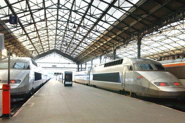 Le trafic des trains reste encore très perturbé ces samedi 7 et dimanche 8 décembre 2019 à la SNCF.