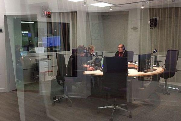 Première émission matinale dans le nouveau studio de France Bleu Basse Normandie aux Rives de l'Orne à Caen