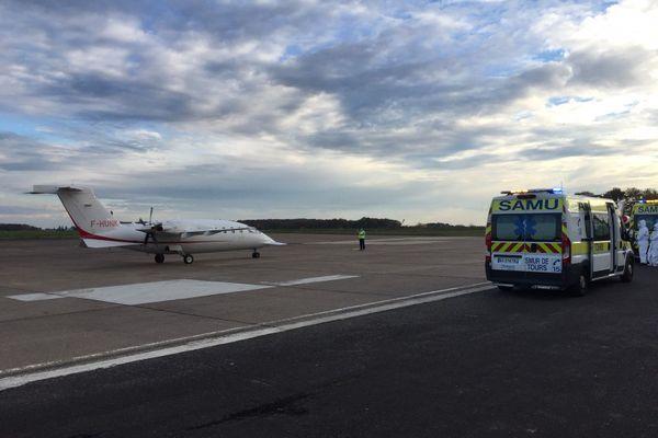 Ces deux patients Covid-19 sont arrivés dans l'après midi du vendredi 13 novembre à l'aéroport de Tours