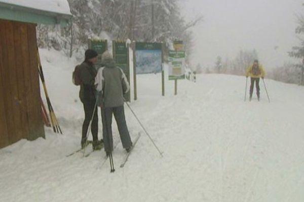 A Lans, les skieurs ont dû braver le brouillard, qu'importe!