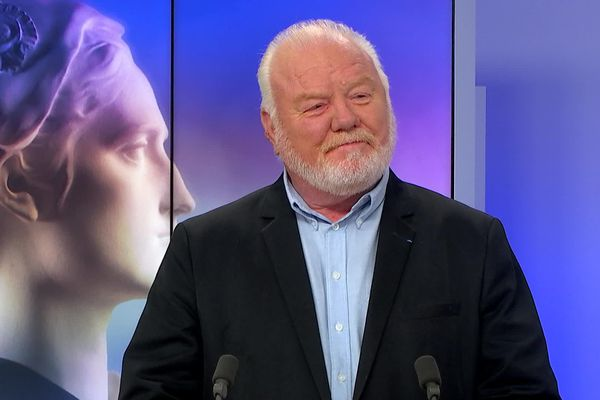 Jean-Claude Billot invité sur le plateau de France 3 Picardie le 28 juin 2020, jour du 2ème tour des élections municipales