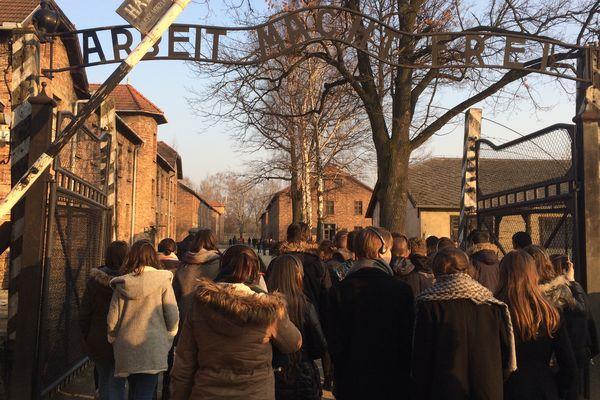 170 lycéens et apprentis des Pays de la Loire ont fait le voyage à Auschwitz