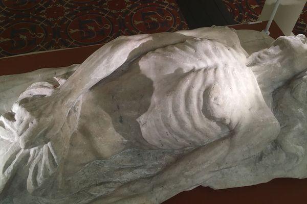 L'effigie funéraire de Catherine de Médicis par Girolamo della Robia dans la Chapelle Saint-Calais au château de Blois