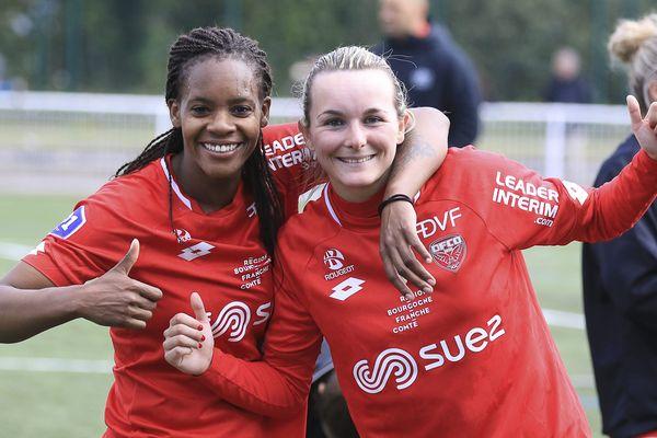 La joie de Marie-Aurelle Awona et Allison Blais après leur victoire contre Fleury samedi 13 avril.