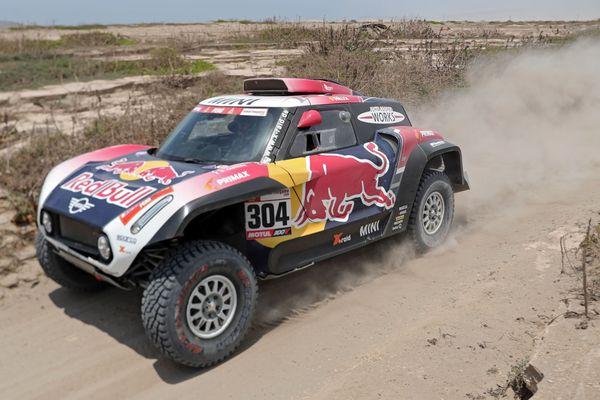 Stéphane Peterhansel remporte la 3e étape du Dakar 2019 et prend la tête du classement général.