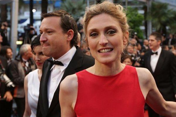 Julie Gayet au festival de Cannes 2012, dans une robe de Delphine Josse