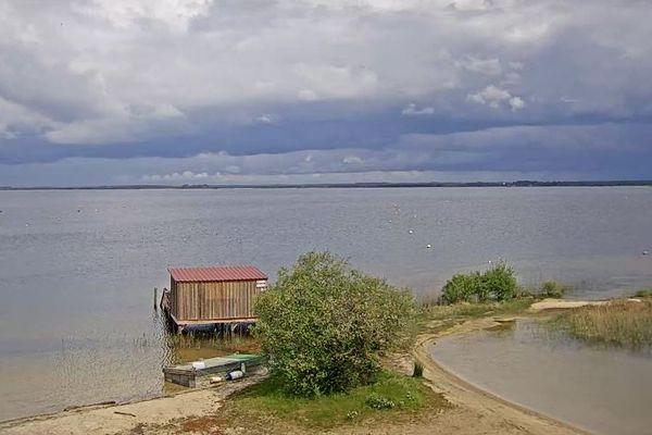 Une belle lumière ce dimanche après-midi sur le lac de Carcans-Maubuisson.