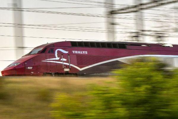 Un Thalys passe près de Lesquin (Nord), en août 2017.