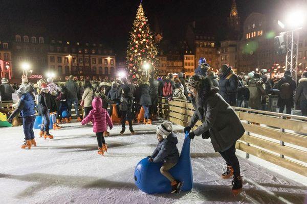 Succès de fréquentation pour la patinoire de la place Kléber, à Strasbourg.