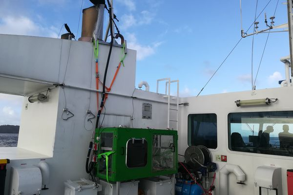 Le Fromveur II de la Penn Ar Bed accueille une expérimentation scientifique qui calcule en temps réel la pollution émise par le navire