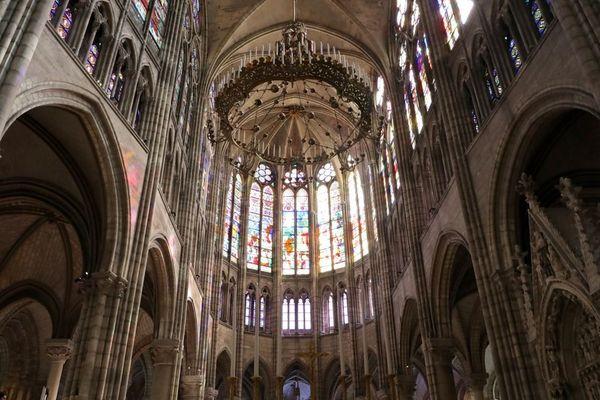 La basilique de Saint-Denis, en Seine-Saint-Denis, abrite la nécropole des rois de France (illustration).