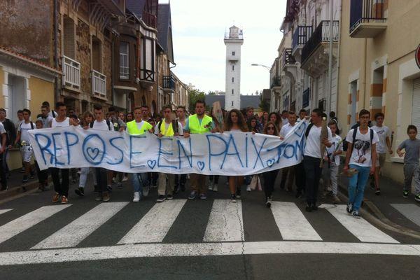 300 personnes ont participé à la marche silencieuse pour Tom aux Sables d'Olonne