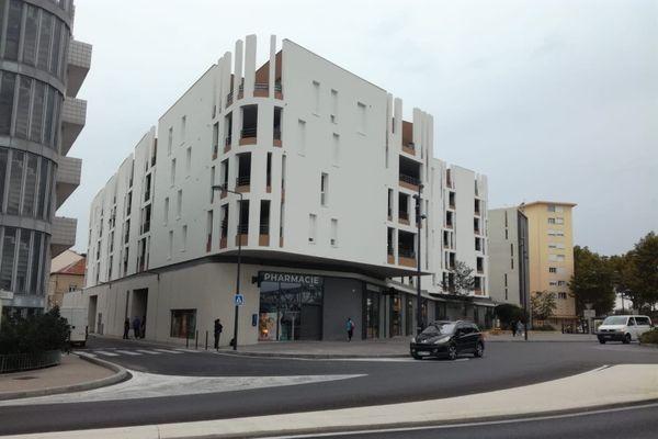 L'homme était retranché au troisième étage de cet immeuble à Sète.
