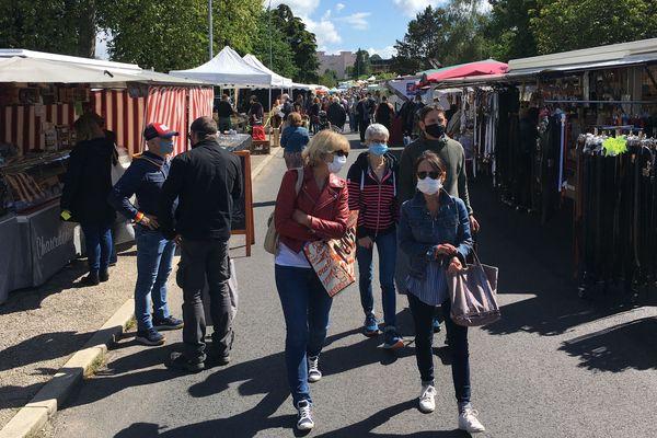 Beau soleil et belle fréquentation pour le retour attendu du marché de Panazol (Haute-Vienne)