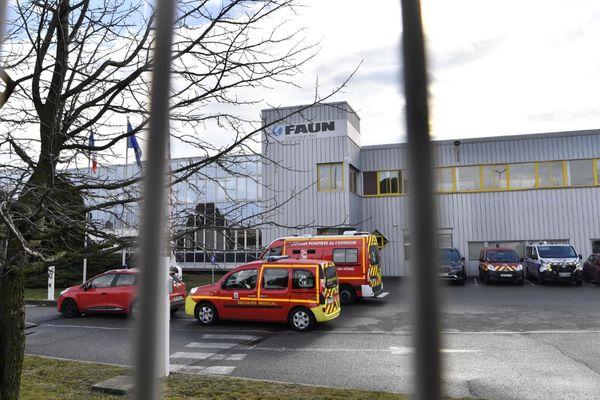 Dans l'entreprise Faun Environnement de Guilherand-Granges (Ardèche), le tireur prend pour cible, jeudi 28 janvier au matin, une employée des ressources humaines de 51 ans. Elle a été atteinte à deux reprise mortellement selon le procureur de Valence.