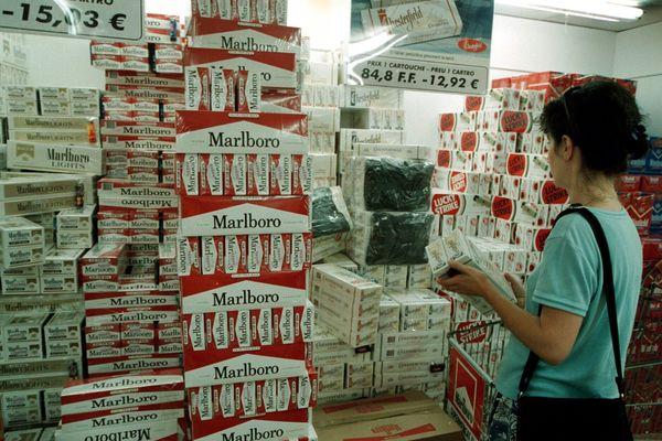 L'achat de cigarettes, notamment à la front!re espagnole, limité à une cartouche au lieu de quatre aujourd'hui.