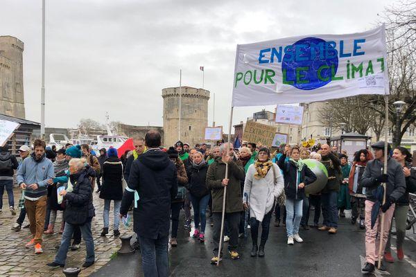 La marche pour le climat a réuni entre 1500 et 2000 personnes, ce samedi, à La Rochelle.