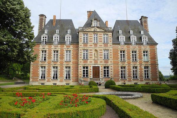 Dans l'Eure le château de Ménilles essuiera des averses en ce MARDI.