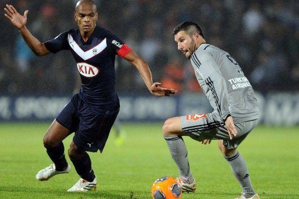 Henrique face à Gignac lors du match Bordeaux-Marseille du 10 mai 2014