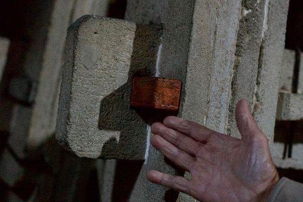 Les voûtes ne font que 3 ou 4 centimètres chacune et sont plus légères que celles en bois