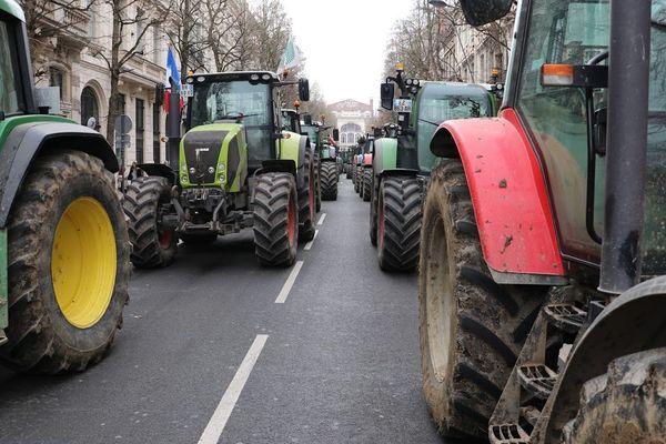 Les tracteurs ont convergé par centaines vers la métropole lilloise ce mercredi matin, et en repartent vers 15 heures.