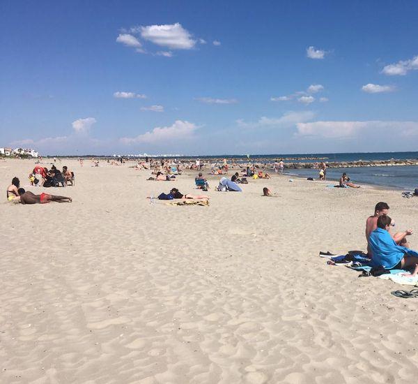 Bronzage sur les plages du littoral