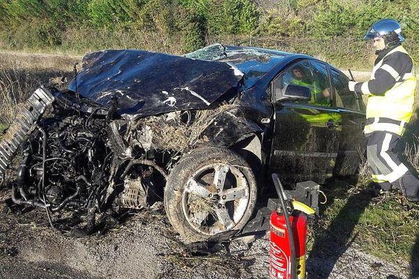 Mireval (Hérault) - l'accident a fait 3 blessés dont un grave et une personne est en fuite - 1er janvier 2019.