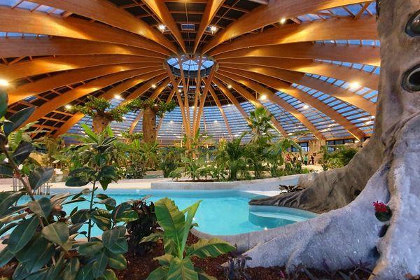 En investissant près de 10 millions d'euros dans un dôme aquatique, le Domaine des Ormes espérait bien s'assurer une très belle saison 2020.