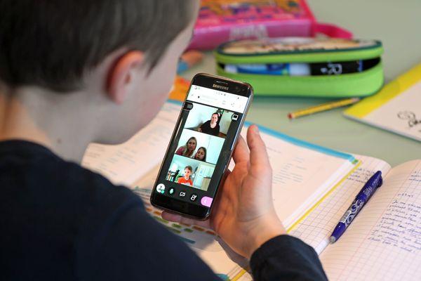 Les enfants pourront suivre des cours à distance via la plate-forme du CNED.