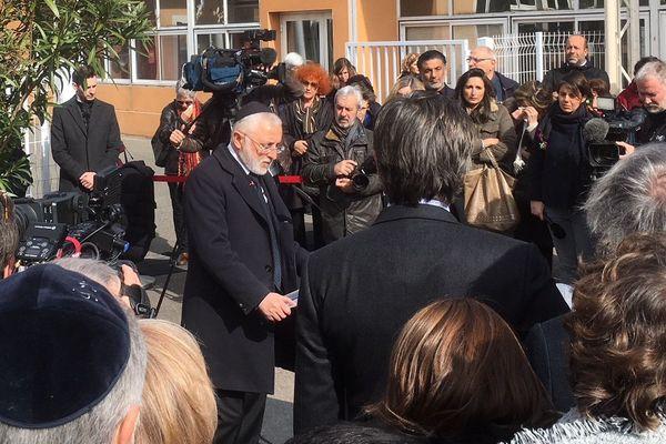 La première cérémonie d'hommage a eu lieu à l'école Ohr Torah de Toulouse ( ancienne école Ozar Hatorah) ce lundi matin.