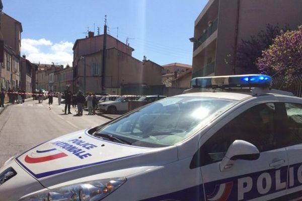 L'homme se trouvait en voiture rue Rabelais, à Marseille dans le 16ème arrondissement, quand il a été pris pour cible.