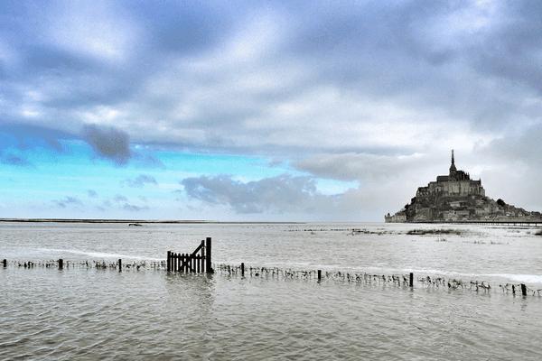 Le Mont Saint Michel en toute majesté, à l'occasion des grandes marées...