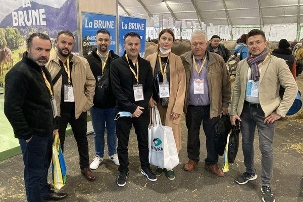 Patrick Cheucle (2ème en partant de la droite) est un « guide » en terre inconnue pour la petite délégation irakienne au Sommet de l'élevage.