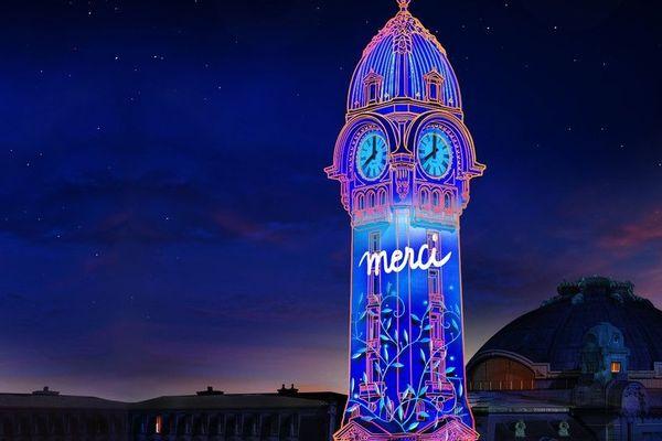 Un spectacle son et lumière à Limoges, en octobre 2020, pour rendre hommage à ceux qui se sont mobilisés pendant la crise sanitaire.