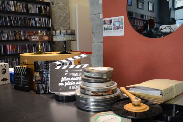 La cinémathèque de Grenoble proposera à partir de lundi 23 mars, pour la période de confinement, des ateliers interactifs en ligne sur l'histoire du cinéma.