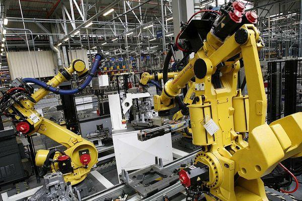 Fabricatioin de boîtes automatiques sur le site PSA-Citroën de Valenciennes.