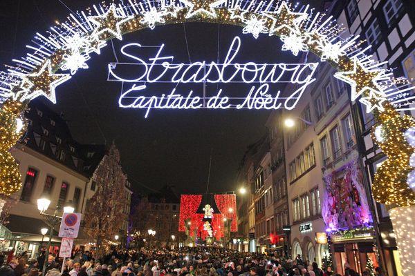 L'entrée du marché de Noël à Strasbourg