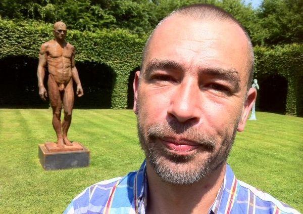 Christophe Charbonnel est sculpteur, il expose au château de Bois Guilbert.