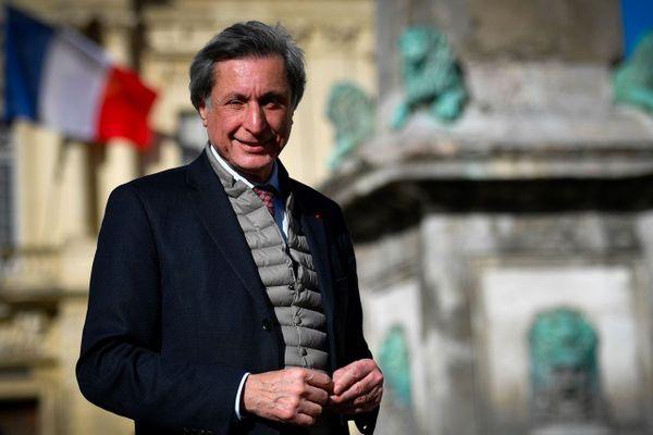 L'ancien patron de France Télévisions élu maire d'Arles — Patrick de Carolis