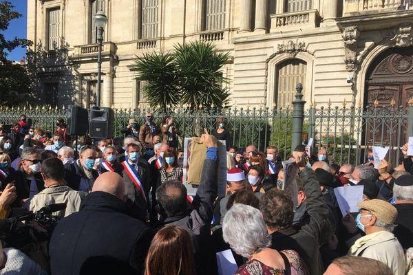 Des rassemblements organisés ce dimanche en Occitanie, comme ici devant la préfecture de Montpellier.